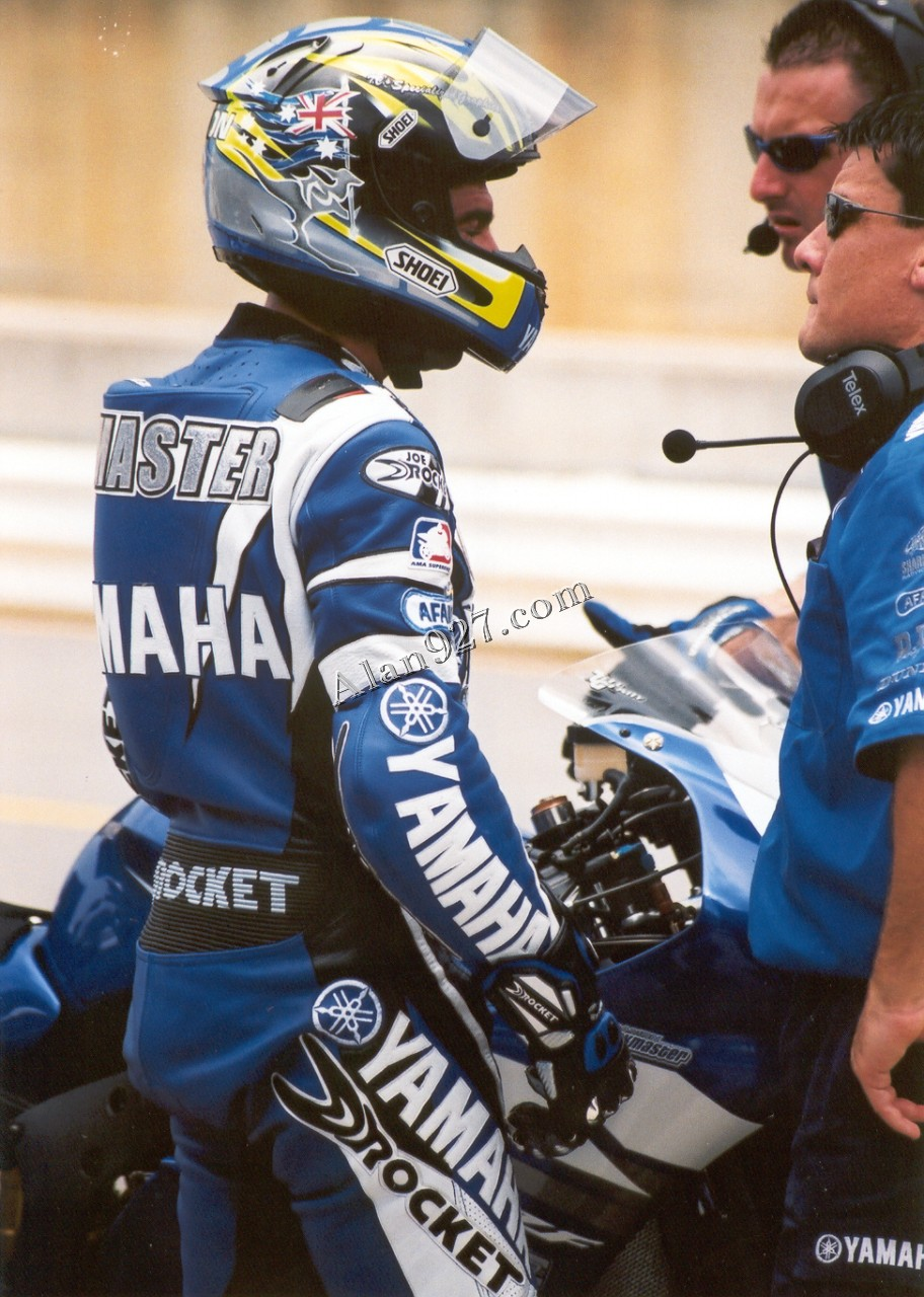 Alan927 motorcycle racing for Damon racing
